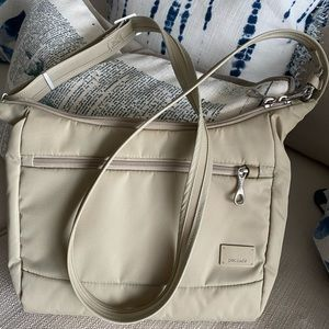 Pacsafe Ultimate Travel Bag